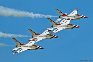 "F-16C Fighting Falcon ""THUNDERBIRDS 2010"""